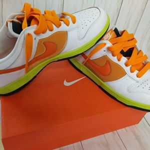 Nike dunk low white and orange size 10